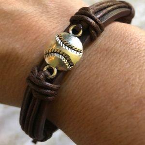 🥎Leather softball/baseball bracelet